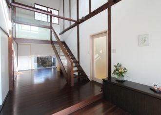 夫婦が楽に暮らせる現代空間   刻む歴史を未来へつなぐ再生住宅