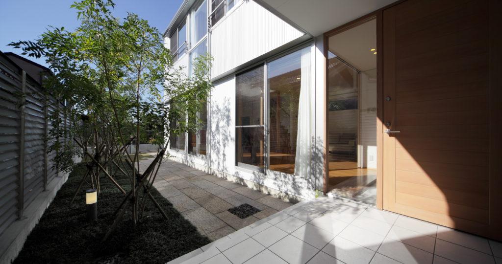 木洩れ日の家