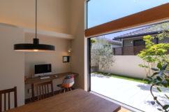 大形山のコートハウス 住まいと庭のつながりを大切にした暮らし2