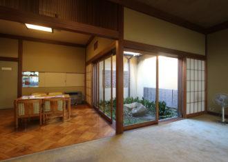 成城学園駅の猪俣邸2