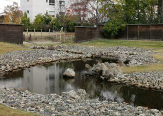 平城京 宮跡庭園では曲水の宴が行われていた